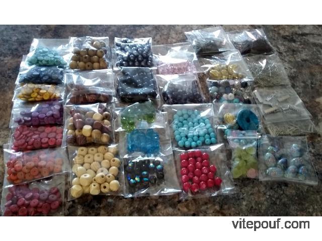 Perles pour fabrication de bijoux +/- 29 sacs
