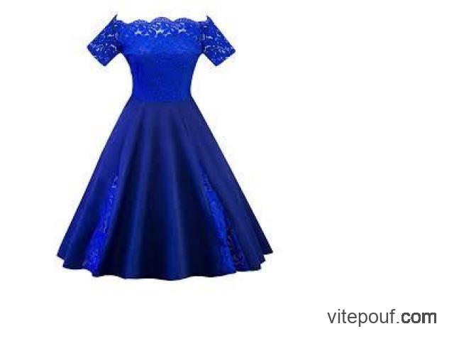 Robe de soirée, évasée, sexy, neuve, bleue avec dentelle