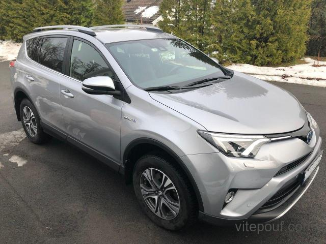 Toyota RAV4 2016  28 850 km