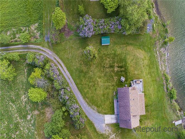 Lilac Shores - Maison spectaculaire sur le lac de l'Ouest, au c?ur du comté de Prince Edward